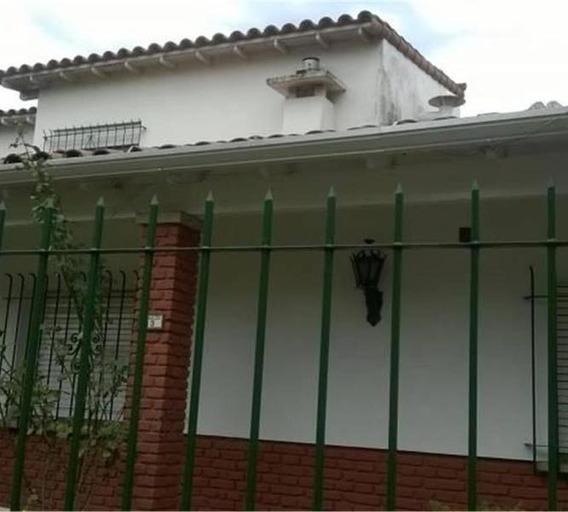 Hermosa Casa En Bernal!!! 3 Ambientes!! Excelente Ubicación!