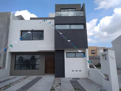 Casa En Renta En Condesa Juriquilla