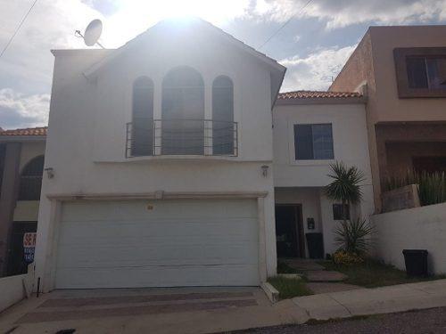 Hermosa Casa Frente A Parque En Fraccionamiento Privado