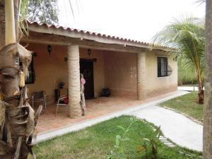 Casa En Venta En Colinas De Guataparo Valencia 20-2816 Valgo