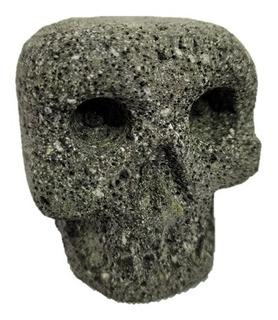 Cráneo Pequeño En Piedra Volcánica