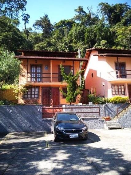 Casa Em Bairro Nobre, Condomínio Familiar E Aconchegante