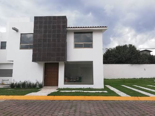 Casa En Venta Cerca De Galerias Metepec