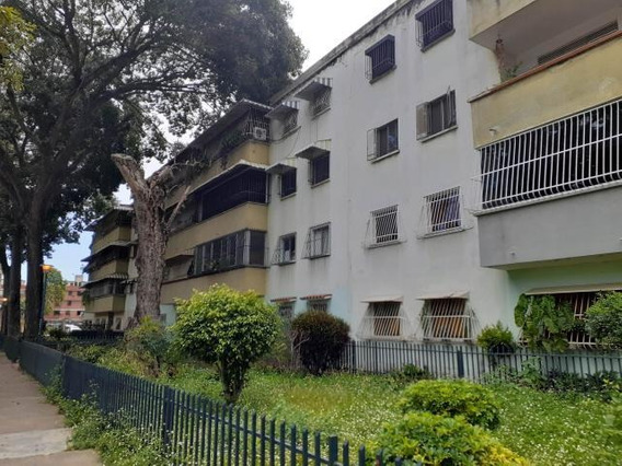 Apartamento En Venta 19-19281