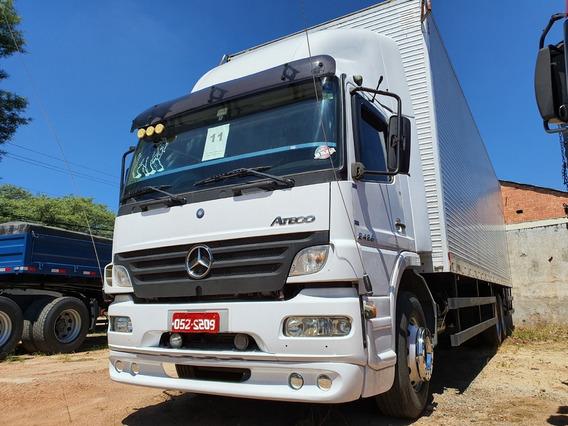 Caminhao Mb Atego 2428 Truck 6x2 Com Bau Ano 2011