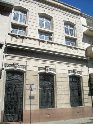 J.s. Casa En Ciudad Vieja