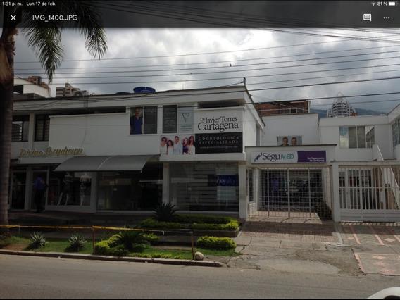 Casa De Dos Pisos Adaptada Con 4 Locales