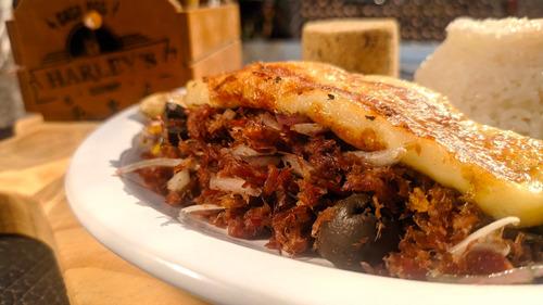 Imagem 1 de 2 de Sanduíches Gourmet