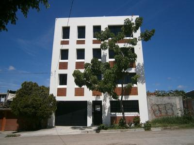 Excelente Edificio De Oficinas. Cerca De Chedrau I Reforma
