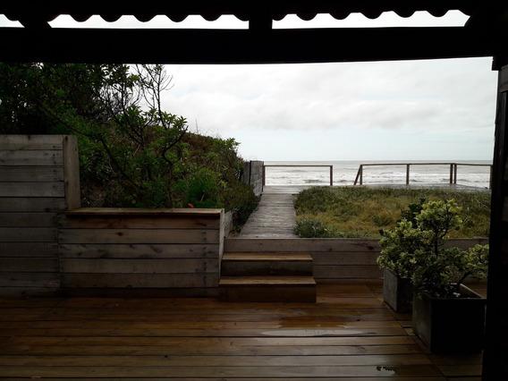 Venta Hermosa Casa En Aguas Dulces Frente Al Mar.