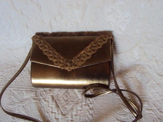Bolsa De Mão Metalizado Dourada Com Alça Longa