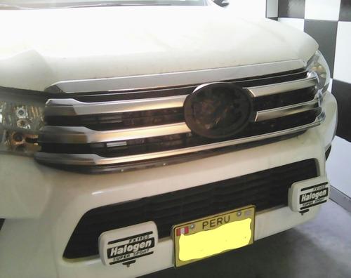 Mascara Cromada Para Toyota Revo
