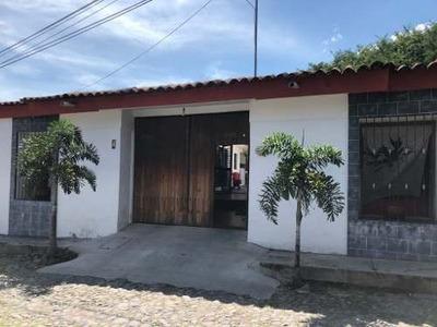 Se Vende Casa En El Centro De Comala, Colima