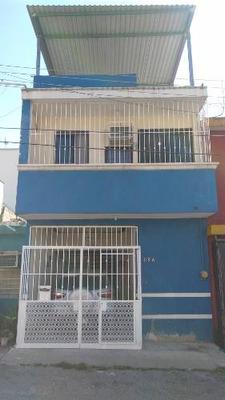 Renta De Casa En Planta Baja, Cerca De Liverpool Plaza Cristal
