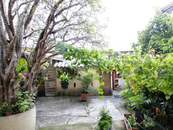 Vendo Casa Bairro Sagrada Familia - 2882