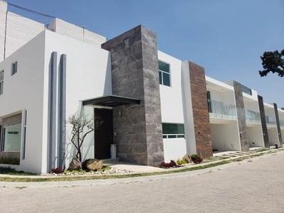 Hermosa Casa En Exclusivo Fracc. Atras De Plaza San Diego