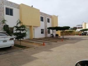 Town En Venta La Coromoto Sumy Hernandez 04141657555