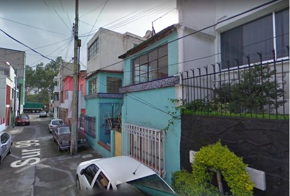 Se Vende Casa De Remate Bancario Col. Del Parque