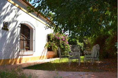 Espectacular Casa De 6 Ambientes, Cochera, Jardín Y Pileta