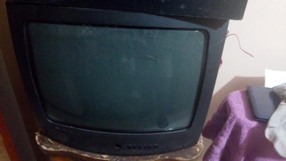 Televisor Modelo Viejo