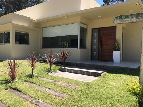 Imagen 1 de 24 de Casa Moderna Con Piscina - Zona Alamos - Enero No Disponible