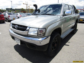 Toyota Hilux 2.4 Mt 2400cc 4x4