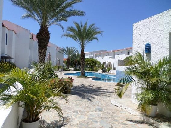 Town House En Casas De Corintia - T1