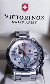 Relógio Masculino Victorinox Swiss Army Classic 241282 45mm