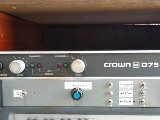 Crown D75
