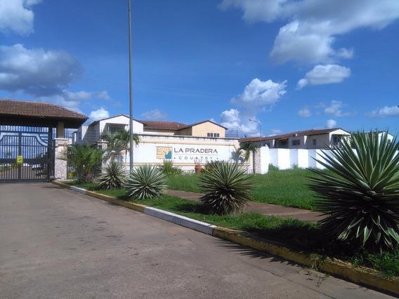 Towmhouse En Urbanización Pradera Country