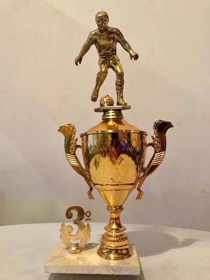 Venta De Trofeos , Fútbol, Hockey. No Te Quedes Sin Premio!!