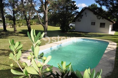 Casa En Alquiler Y Venta- Ref: 1402