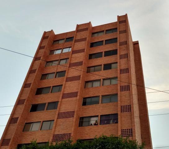 Apartamento En Alquiler, Codigo Mls #19-18256