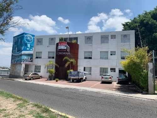 Se Renta Edificio Completo En El Laurel, 3 Niveles, 11 Cajones, 11 Oficinas..etc