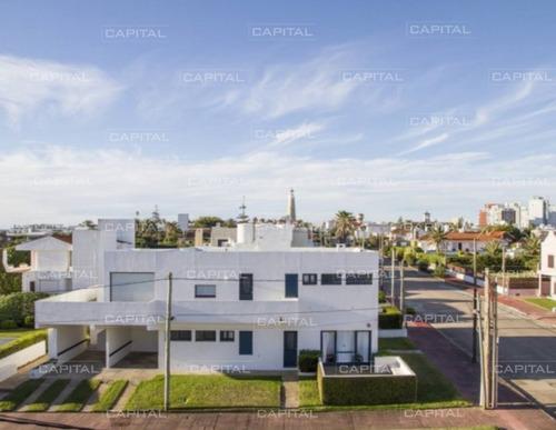 Casa En Venta En Faro De Punta Del Este-ref:25875