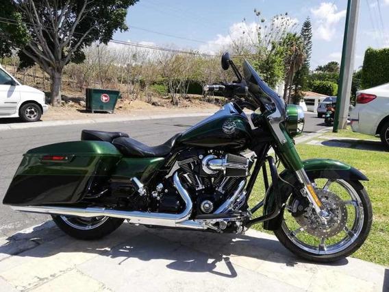 Chopper Harley Davison Road King Special