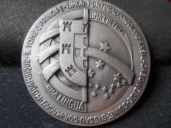 Medalha Jubileu Prata Centro Inter Português No Rio Janeiro