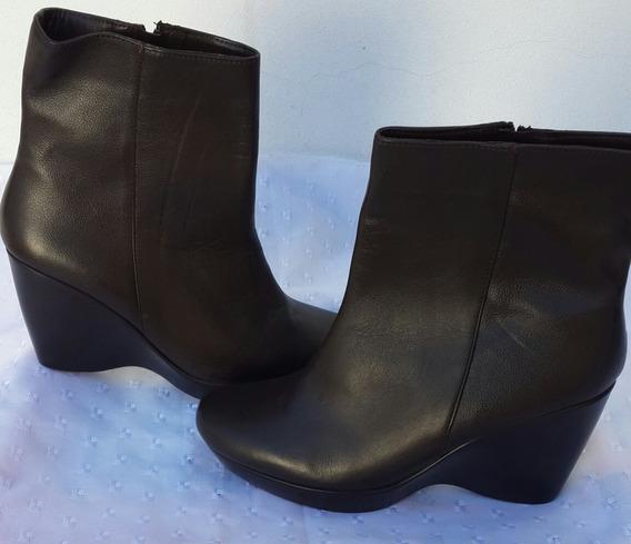 Botas Color Negro Nuevas N°35
