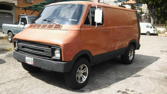Dodge Ram Van .