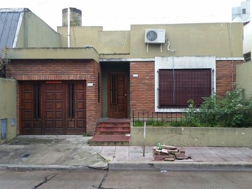 Casa Lote Propio. Venta   - Barracas-