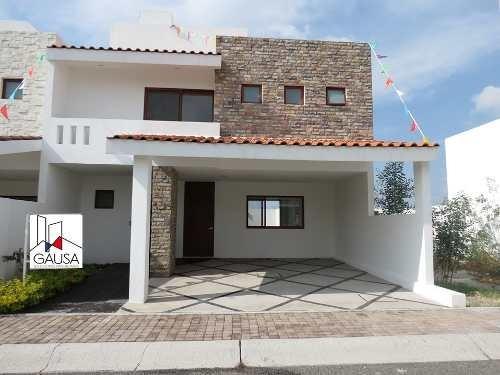 Amplia Casa En Juriquilla La Condesa. Acabados De Lujo. Roof