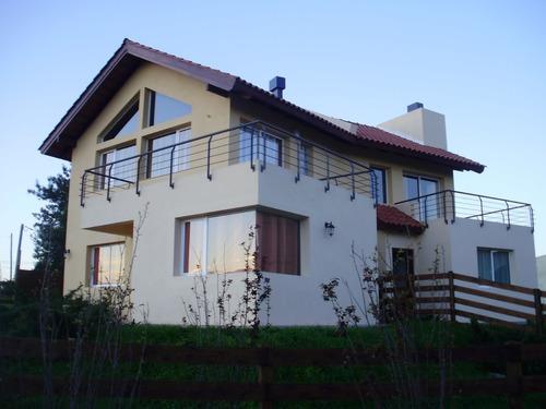 Imagen 1 de 13 de Casa En Venta En Colonia Del Sacramento - Plaza De Toros