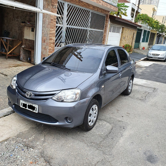 Toyota Etios 1.5 X Sedan 16v 4p Flex Manual
