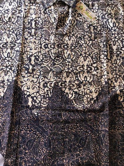 Camisa De Sra. Estampado Indu. Manga Corta. Con Botones. Cue