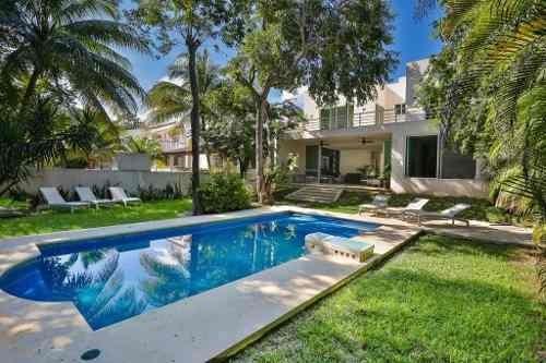 Se Vende Casa De Lujo , Paseo Xamanha, Playacar Fase 2 Playa Del Carmen P3039