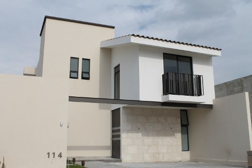 El Cielo Residencial, Vendo Bonita Casa