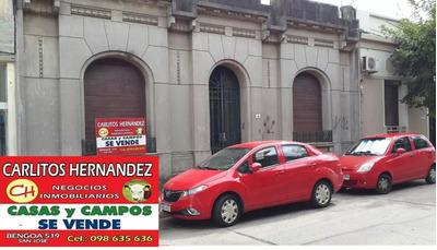 Hermosa Casa En Pleno Centro D San Jose Con Garaje Y Fondo