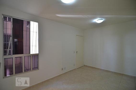 Apartamento No 1º Andar Com 2 Dormitórios E 1 Garagem - Id: 892948002 - 248002