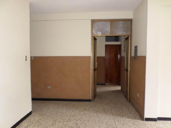 Oficina En Alquiler Zona Oeste Barqto 20-312 Mmm
