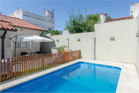 Casa 4 Amb/ Parque Y Pileta/lote Propio 8,66x28
